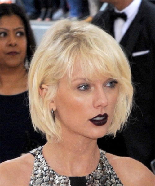 Taylor Swift Short Straight   Light Platinum Blonde Bob  Haircut with Side Swept Bangs  - Side on View