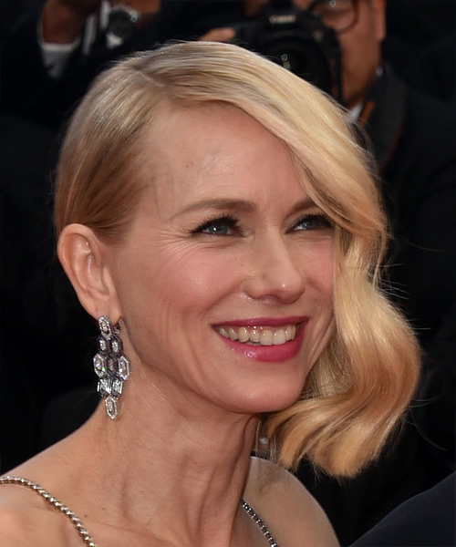 Naomi Watts Medium Straight Casual  Bob  Hairstyle with Side Swept Bangs  - Light Blonde Hair Color - Side on View