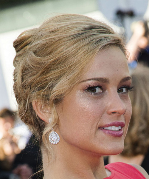 Petra Nemcova Long Straight Formal   Updo Hairstyle   - Medium Blonde Hair Color - Side on View