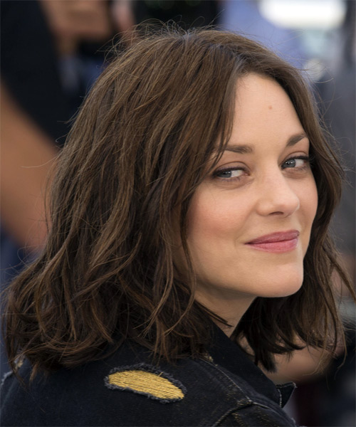 Marion Cotillard Medium Wavy   Dark Brunette Bob  Haircut   - Side on View