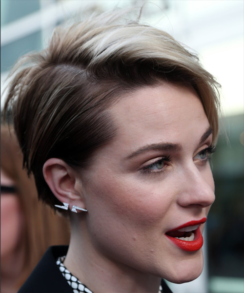 Evan Rachel Wood     Dark Brunette and Light Blonde Two-Tone Pixie  Cut with Side Swept Bangs  - Side on View