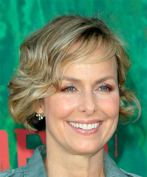 Melora Hardin Short Wavy    Blonde Bob  Haircut with Side Swept Bangs  - Side on View