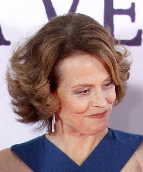 Sigourney Weaver Medium Wavy Casual Bob  Hairstyle with Side Swept Bangs  - Light Brunette - Side on View