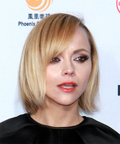 Christina Ricci Short Straight Formal  Bob  Hairstyle with Side Swept Bangs  -  Golden Blonde Hair Color - Side on View
