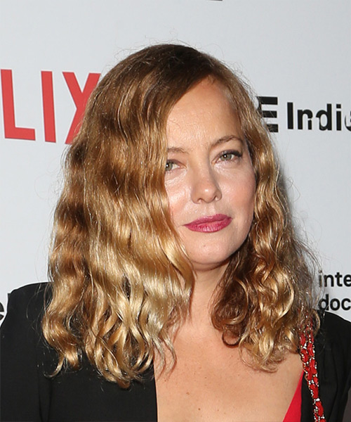 Bijou Phillips Medium Curly Casual  Bob  Hairstyle   - Dark Golden Blonde Hair Color - Side on View