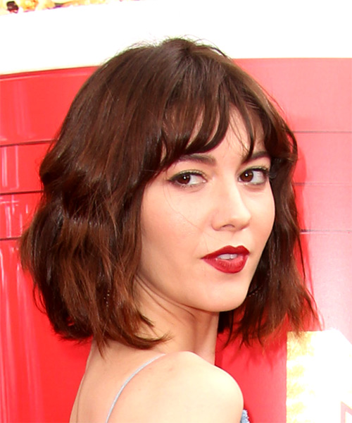 Mary Elizabeth Winstead Medium Wavy Casual Bob  Hairstyle with Layered Bangs  - Medium Brunette - Side on View