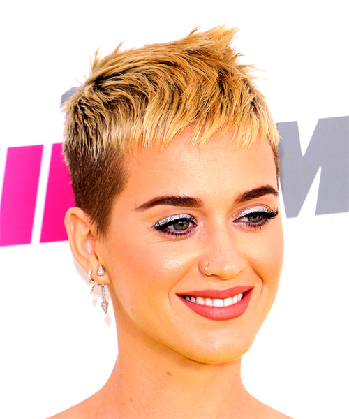 Katy Perry Short Straight Alternative Pixie Hairstyle With Razor Cut Bangs    Light Blonde Hair Color