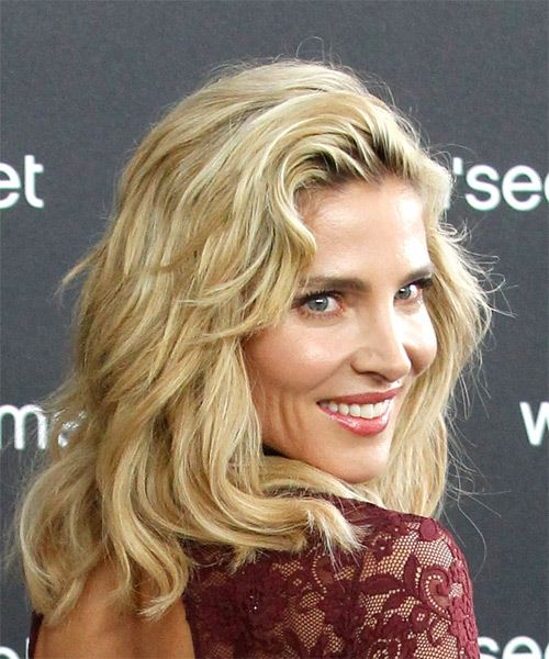 Elsa Pataky Medium Wavy Casual Bob  Hairstyle with Side Swept Bangs  - Light Blonde - Side on View