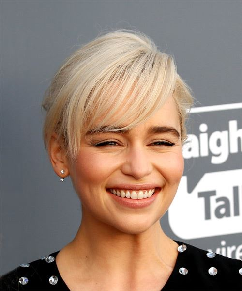 Emilia Clarke Short Straight   Light Platinum Blonde   Hairstyle with Side Swept Bangs  - Side on View