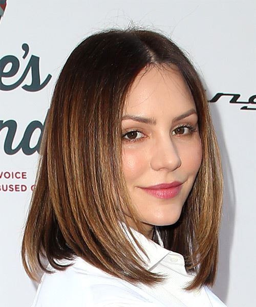 Katharine McPhee Medium Straight Formal  Bob  Hairstyle   -  Brunette Hair Color with Light Brunette Highlights - Side on View