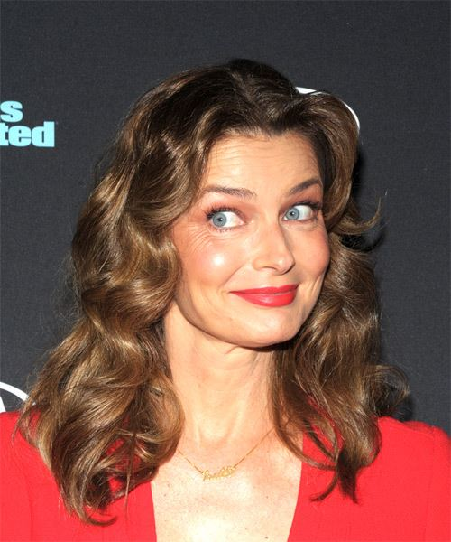 Paulina Porizkova Medium Wavy Casual Bob  Hairstyle   - Medium Brunette - Side on View