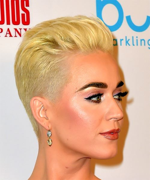 Katy Perry Short Straight Hairstyle - Light Golden Blonde Hair Color