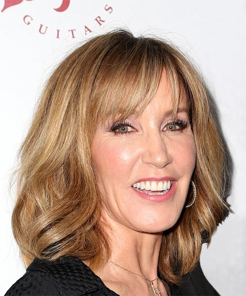 Felicity Huffman Medium Straight Casual   Hairstyle with Layered Bangs  - Dark Blonde - Side on View