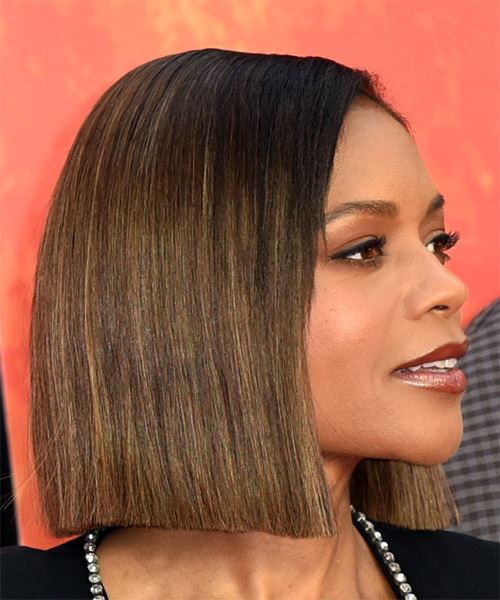 Naomie Harris Short Straight Casual  Bob  Hairstyle   - Black  and Medium Brunette Two-Tone Hair Color - Side on View