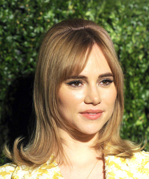 Suki Waterhouse Medium Straight Casual    Hairstyle with Layered Bangs  - Dark Blonde Hair Color - Side on View