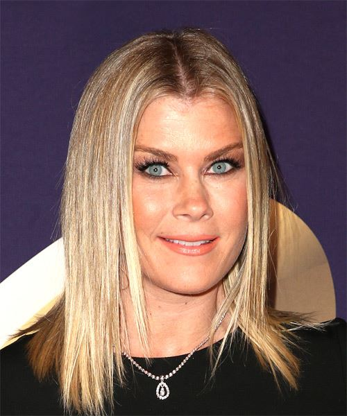 Alison Sweeney Medium Straight   Light Blonde Bob  Haircut   - Side on View