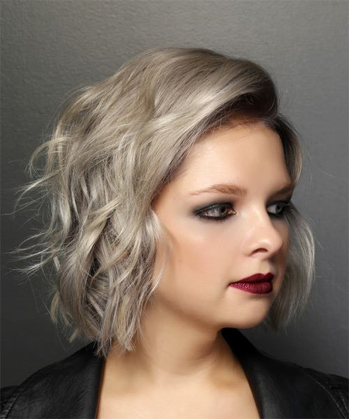 Short Wavy Casual  Bob  Hairstyle   - Light Ash Blonde Hair Color - Side on View