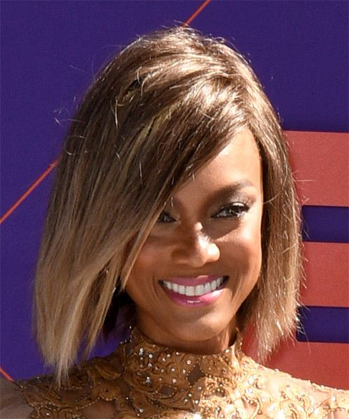Tyra Banks Medium Straight Casual  Bob  Hairstyle   -  Brunette and Light Blonde Two-Tone Hair Color - Side on View