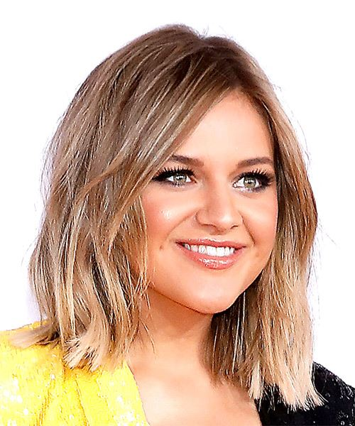 Kelsea Ballerini Medium Straight Casual  Bob  Hairstyle with Side Swept Bangs  -  Blonde and Light Blonde Two-Tone Hair Color - Side on View