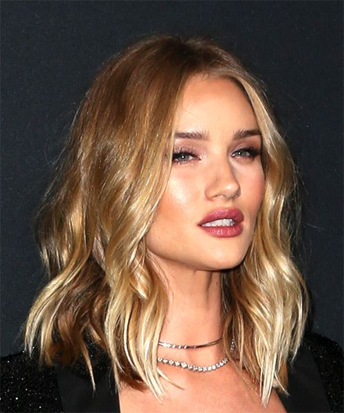 Rosie Huntington-Whiteley Medium Wavy Casual  Bob  Hairstyle with Layered Bangs  - Dark Brunette Hair Color with Light Blonde Highlights - Side on View
