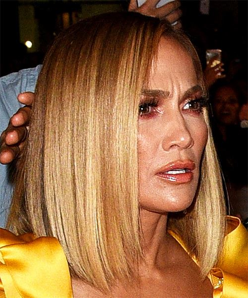 Jennifer Lopez Medium Straight    Blonde Bob  Haircut with Blunt Cut Bangs  and Dark Blonde Highlights - Side on View