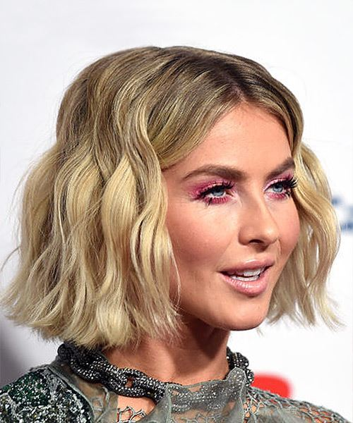 Julianne Hough Medium Wavy    Blonde Bob  Haircut   with Light Blonde Highlights - Side on View