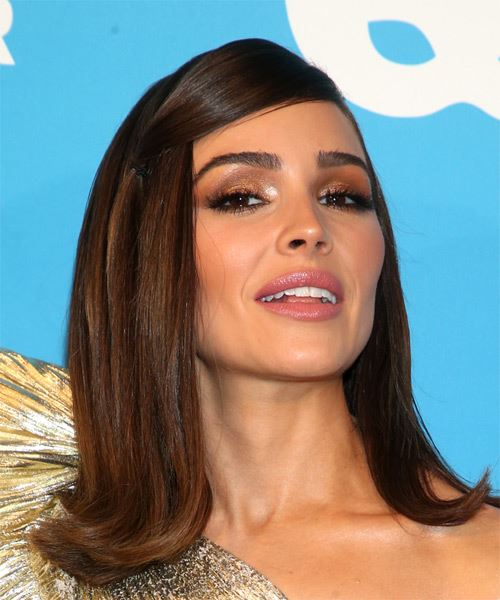 Olivia Culpo Medium Straight   Dark Brunette   Hairstyle with Side Swept Bangs  - Side on View