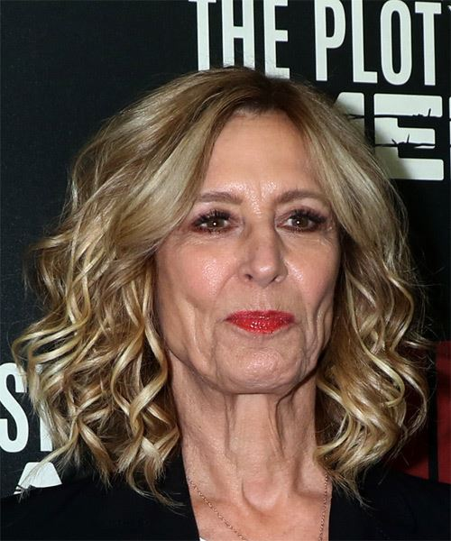 Christine Lahti Medium Wavy Layered   Blonde Bob  Haircut   with Light Blonde Highlights - Side on View