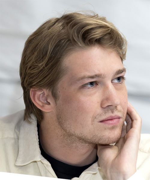 Joe Alwyn Short Straight   Light Brunette   Hairstyle   with Light Blonde Highlights - Side on View