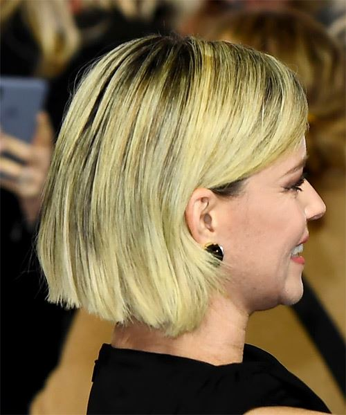 Elizabeth Banks Short Straight    Blonde Bob  Haircut with Side Swept Bangs  - Side on View