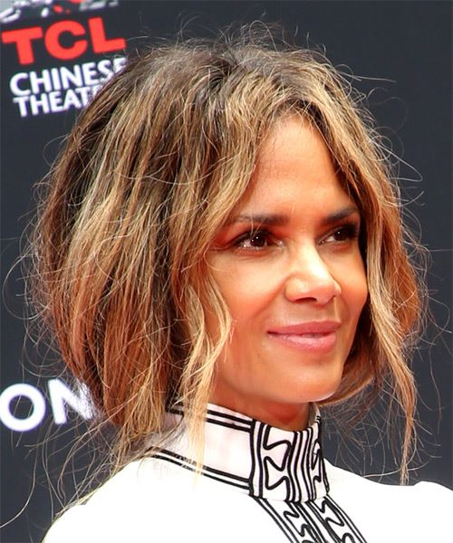 Halle Berry Long Wavy   Dark Brunette   Hairstyle with Layered Bangs  and  Blonde Highlights - Side on View