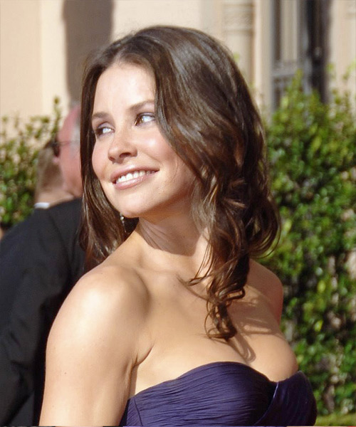 Evangeline Lilly Long Wavy Casual   Hairstyle   - Side on View