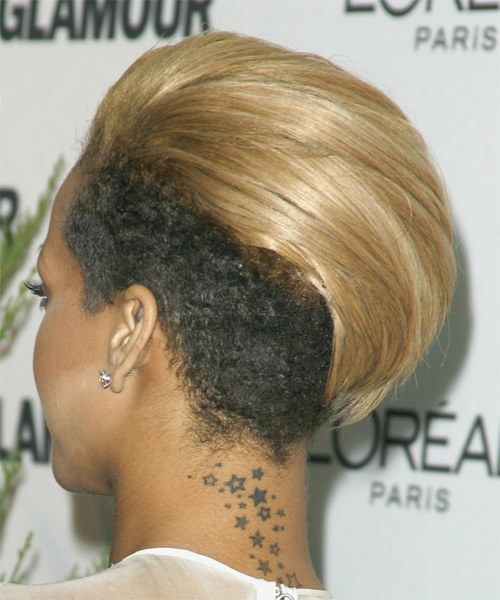 Rihanna Short Straight Alternative  Undercut  Hairstyle   -  Golden Blonde Hair Color - Side on View