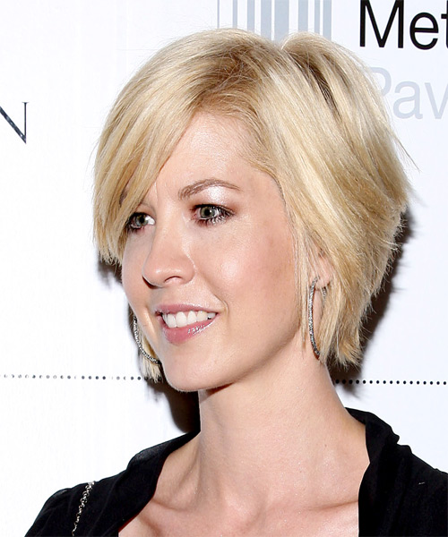 Jenna Elfman Medium Straight Casual   Hairstyle with Side Swept Bangs  - Light Blonde (Honey) - Side on View