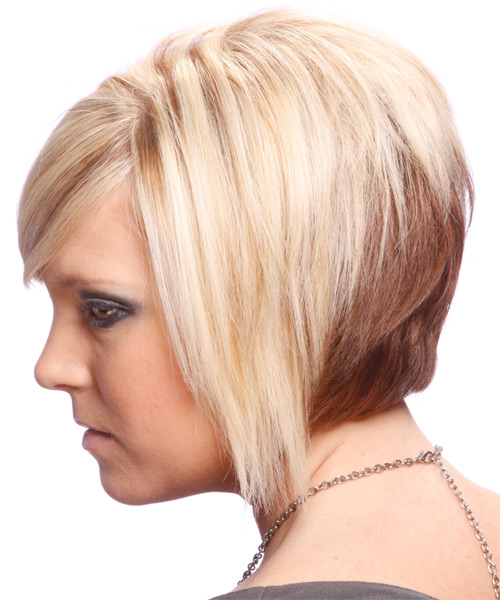 Short Straight Alternative   Hairstyle with Side Swept Bangs  - Light Blonde (Strawberry) - Side on View