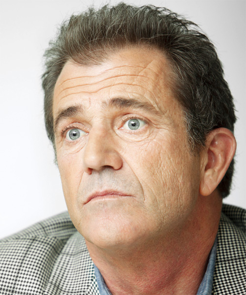 Mel Gibson Short Straight Casual   Hairstyle   - Side on View