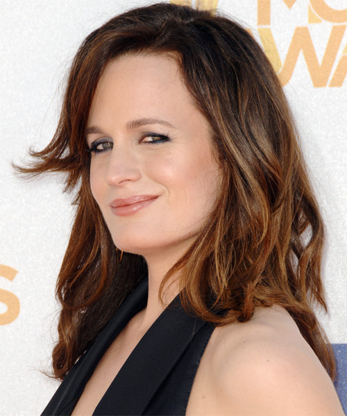 Elizabeth Reaser Medium Wavy Casual   Hairstyle   - Side on View