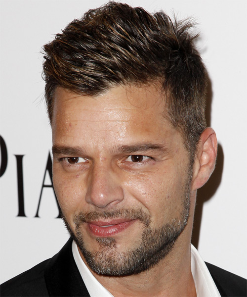 Ricky Martin Short Straight Casual   Hairstyle   - Dark Brunette - Side on View