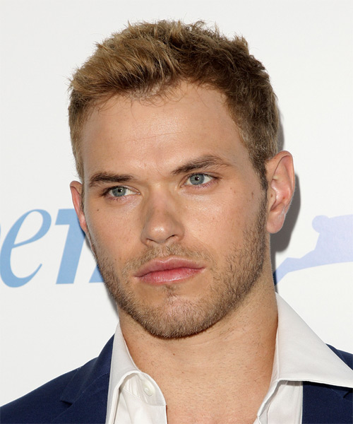 Kellan Lutz Short Straight Casual   Hairstyle   - Side on View