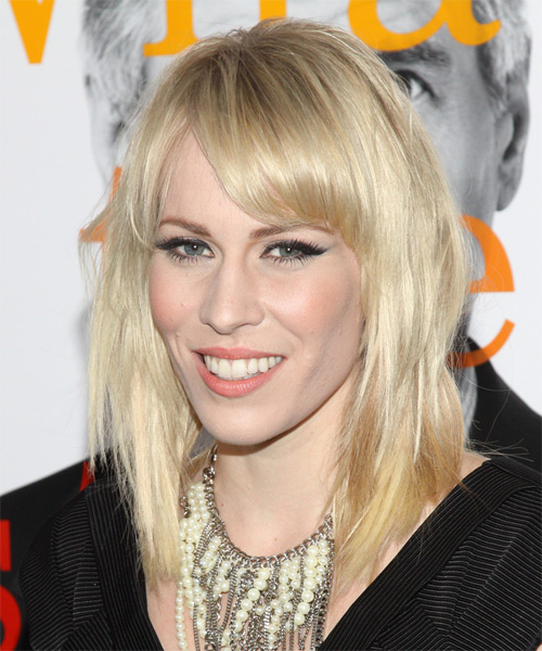 Natasha Bedingfield Medium Straight Casual   Hairstyle   - Side on View