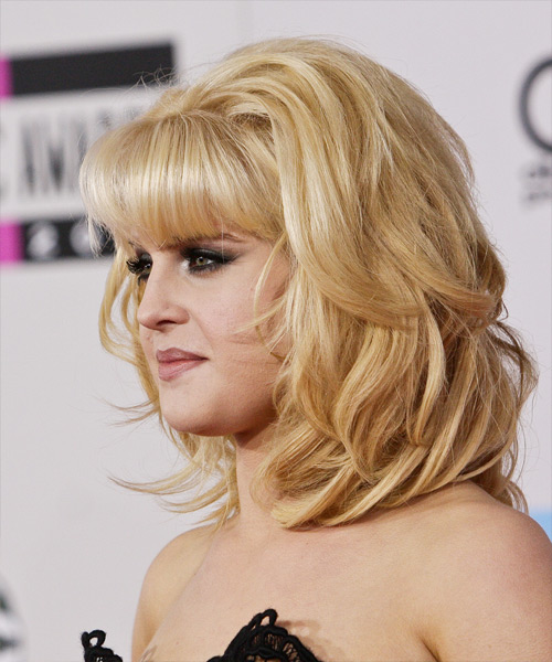 Kelly Osbourne Medium Straight Formal   Hairstyle   - Side on View