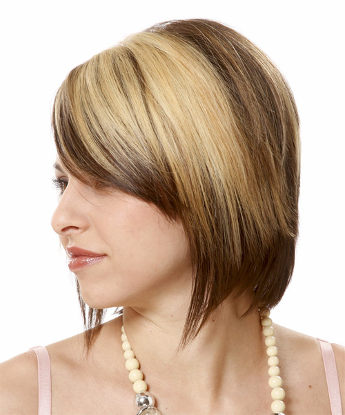 Short Straight Casual   Hairstyle   - Light Blonde (Chocolate) - Side on View