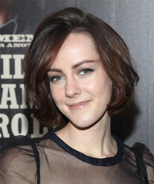 Jena Malone Medium Straight Casual   Hairstyle   - Side on View