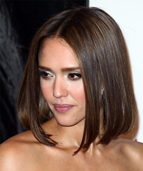 Jessica Alba Medium Straight   Dark Brunette Bob  Haircut   with Light Brunette Highlights - Side on View
