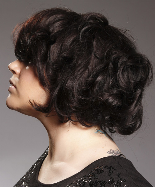 Short Wavy Casual   Hairstyle with Side Swept Bangs  (Mocha) - Side on View