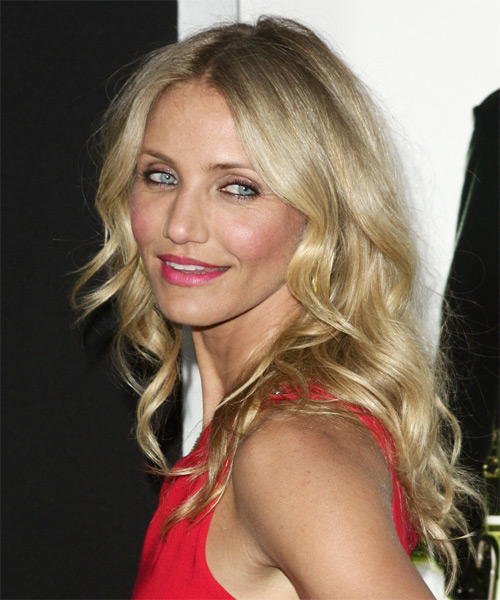 Cameron Diaz Medium Wavy Casual   Hairstyle   - Side on View