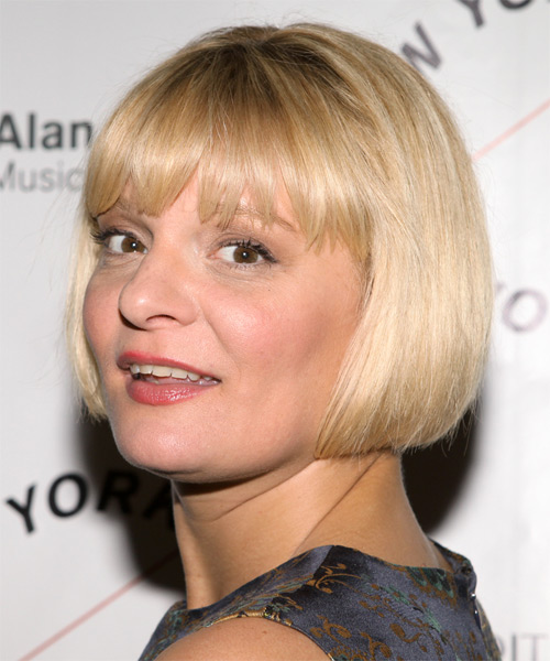Martha Plimpton Short Straight Layered  Light Blonde Bob  Haircut with Blunt Cut Bangs  - Side on View