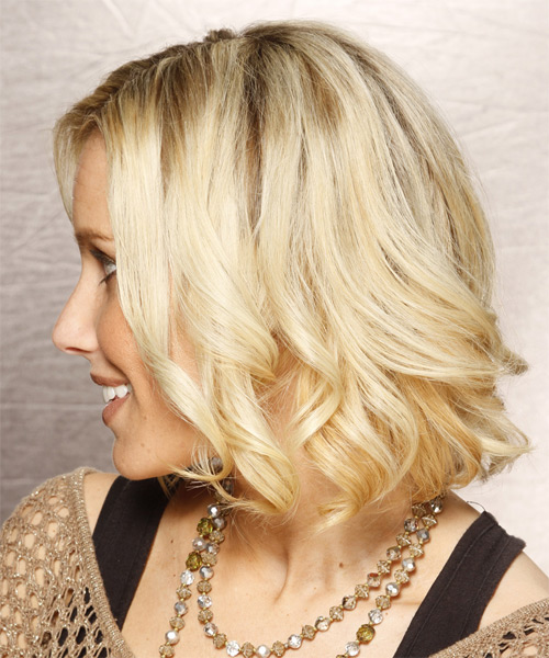 Medium Wavy Formal    Hairstyle   - Light Blonde Hair Color with Medium Blonde Highlights - Side on View