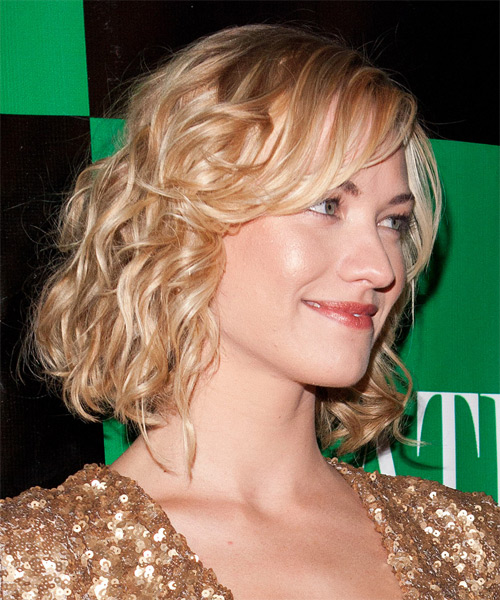 Yvonne Strahovski Medium Wavy Formal   Hairstyle with Side Swept Bangs  - Light Blonde - Side on View