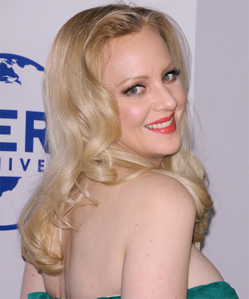 Wendi McLendon-Covey  Long Wavy Formal    Hairstyle   - Light Ash Blonde Hair Color - Side on View
